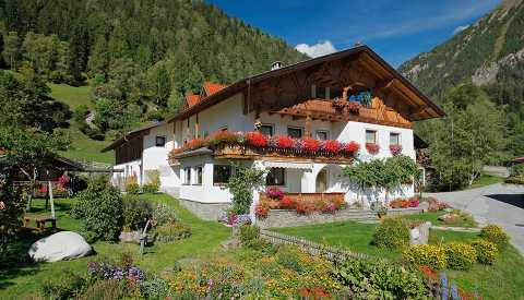 Bacherhof farm holidays, for riders & hikers in Pfitschertal near Sterzing